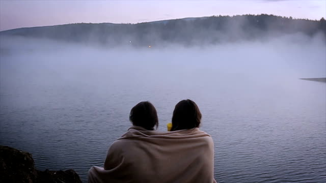 good morning! beautiful view of the foggy lake - attività del fine settimana video stock e b–roll