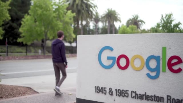 google informo el jueves que despidio a 48 empleados en los ultimos dos anos incluidos 13 ejecutivos senior por acusaciones de acoso sexual en su... - google stock videos & royalty-free footage