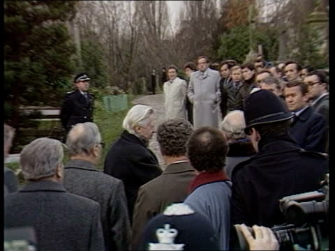stockvideo's en b-roll-footage met day 5 a england london highgate cemetery marx memorial pull out to grave ms wreath being carried towards by soviet delegation laying wreath on behalf... - mikhail gorbachev