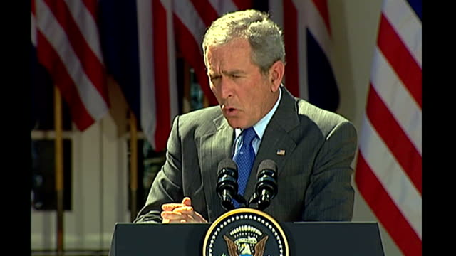 stockvideo's en b-roll-footage met gordon brown and george w bush press conference; press q & a session: george w bush press conference sot - answers question about the war in iraq and... - war and conflict