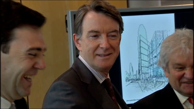 vídeos de stock e filmes b-roll de gordon brown announces 250 million pound investment for medical research centre general views and speech *** beware lord mandelson arriving along to... - gordon brown
