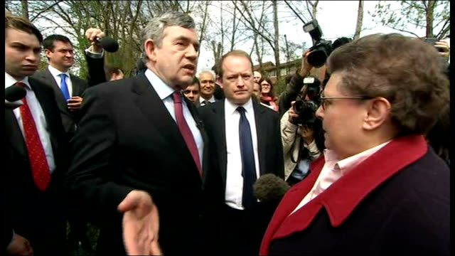 lib gordon brown 'confrontation' with pensioner gillian duffy and subsequnet 'bigot' comments in car - ゴードン ブラウン点の映像素材/bロール