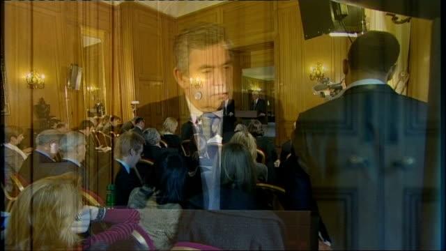 gordon brown faces consequences of global 'credit crunch'; int gordon brown mp into press conference room gordon brown mp press conference sot as... - itvイブニングニュース点の映像素材/bロール