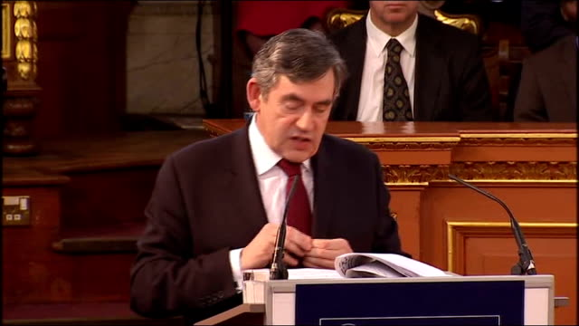 stockvideo's en b-roll-footage met gordon brown gives romanes lecture at oxford university; gordon brown speech sot - quite simply, we know that the frontiers of social and... - in dienst gaan
