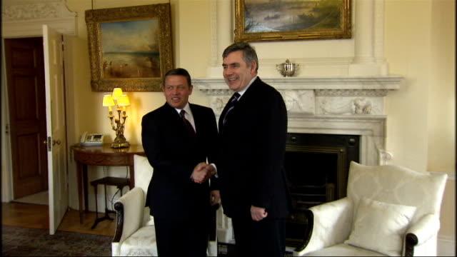 Gordon Brown greets King of Jordan ENGLAND London Downing Street PHOTOGRAPHY * * Gordon Brown MP press photocall handshake with Abdullah II bin...