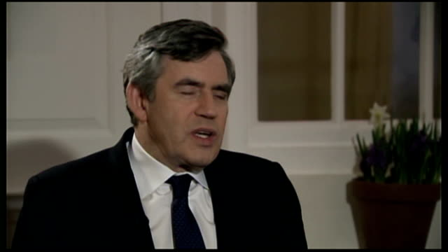 gordon brown interview during visit to usa usa washington int gordon brown mp interview sot discusses forthcoming speech to congress/ global economic... - ゴードン ブラウン点の映像素材/bロール