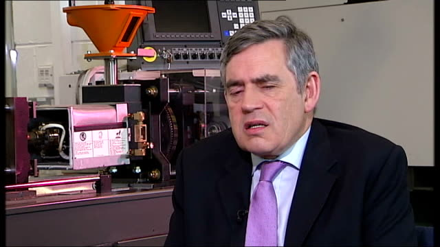 gordon brown interview sot - i feel exhilerated by this last stage of the campaign/ there are thousand of people waiting to be persuaded/ we've had a... - gordon brown stock-videos und b-roll-filmmaterial