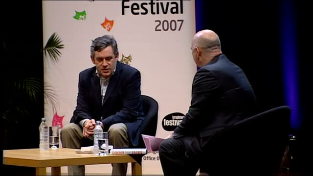 vidéos et rushes de gordon brown interviewed by film director anthony minghella; gordon brown mp interview sot - when i was 10 yrs old, i had an encyclopedia, with all... - anthony minghella
