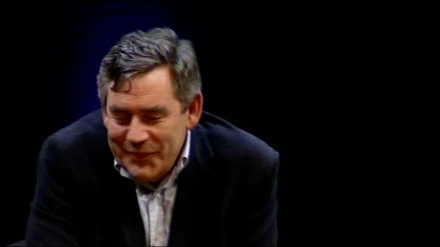 vidéos et rushes de gordon brown interviewed by film director anthony minghella; member of audience asks question about football ground for brighton & hove albion... - anthony minghella