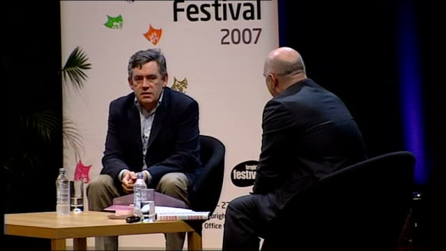 vidéos et rushes de gordon brown interviewed by film director anthony minghella; minghella asking question sot - what is it that moves us so much about courage? brown... - anthony minghella