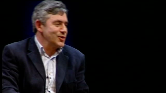 vidéos et rushes de gordon brown interviewed by film director anthony minghella; minghella asking question sot - what are the big challenges going forward, apart from... - anthony minghella
