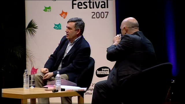vidéos et rushes de gordon brown interviewed by film director anthony minghella; minghella asking question sot - what is going on with you and celebrities? brown... - anthony minghella
