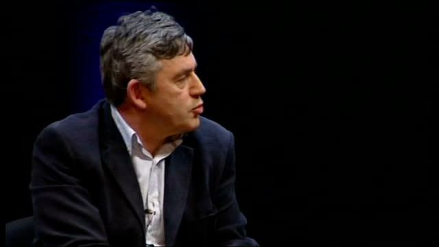 vidéos et rushes de gordon brown interviewed by film director anthony minghella; minghella asking question sot - there are a lot of women in this book/ talk about your... - anthony minghella
