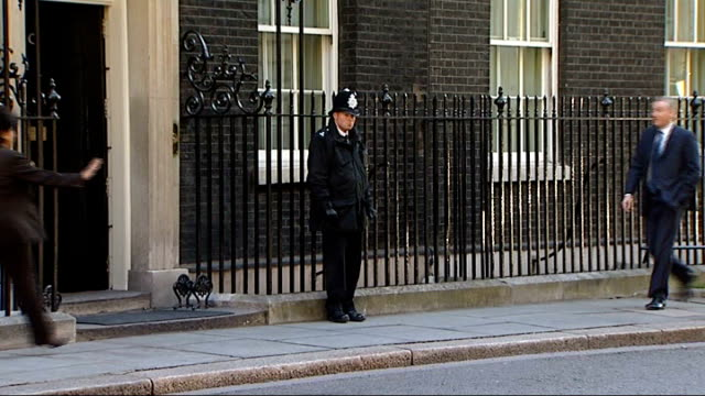 gordon brown meets bank chiefs for crisis talks; england: london: downing street: no.10 ext close shot of letterbox engraved 'first lord of the... - letterbox stock-videos und b-roll-filmmaterial