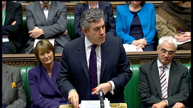 lib int gordon brown mp addressing chamber sot the decisions in this country should be made in the chamber of this house and not on the roof of this... - ゴードン ブラウン点の映像素材/bロール