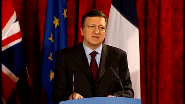 gordon brown, nicolas sarkozy and jose manuel barroso press conference; jose manuel barroso press conference sot - on support for european economic... - co ordination stock videos & royalty-free footage