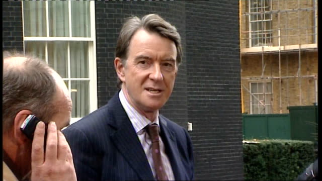 gordon brown outlines plans to guarantee loans to small businesses downing street ext lord mandelson speaking to press sot there is not one simple... - downing street stock-videos und b-roll-filmmaterial