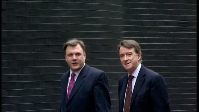 gordon brown outlines plans to guarantee loans to small businesses london downing street ext ed balls mp and lord mandelson walking along to no10 for... - downing street stock-videos und b-roll-filmmaterial