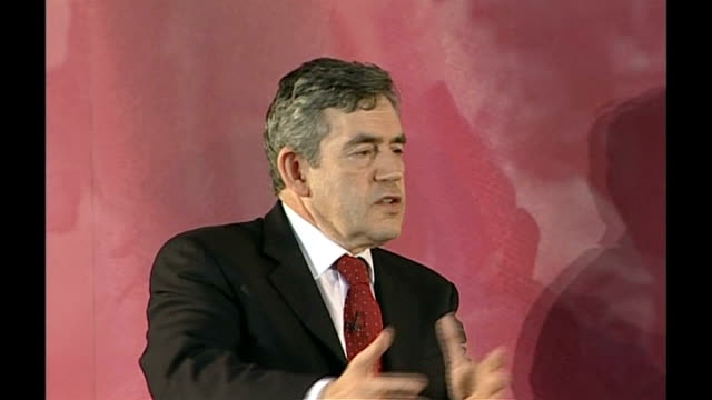 gordon brown speech followed by q&a session; brown answering question sot - on how the conservative party are trying to catch up with the changes... - seguire attività che richiede movimento video stock e b–roll