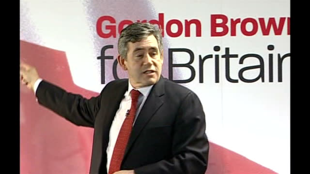 gordon brown speech followed by q&a session; gordon brown speech sot - thanks audience for the nominations and support / jokes about sheffied united... - seguire attività che richiede movimento video stock e b–roll