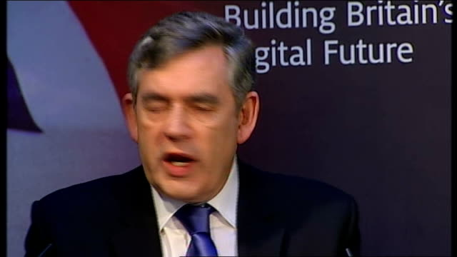 vídeos de stock, filmes e b-roll de gordon brown speech on britain's digital future gordon brown speech continued sot so building on this next generation web and the radical opening up... - stage make up