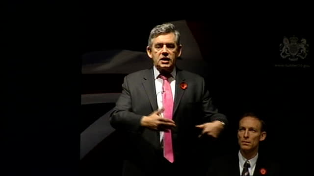 gordon brown speech to business leaders gordon brown speech continued sot need to help people move jobs/ solve energy problem/ is an industry run by... - hypotheken kündigung stock-videos und b-roll-filmmaterial
