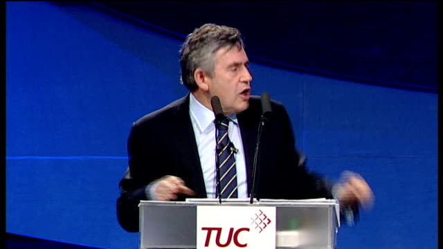 vídeos de stock e filmes b-roll de gordon brown speech to tuc conference and as a result of taking action i can tell you over 200000 businesses employing hundreds of thousands of... - conferência do tuc