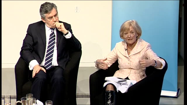 vídeos de stock e filmes b-roll de gordon brown takes part in climate change q&a session with young people; kinnock response sot - ...people don't know what the seasons are any... - making money