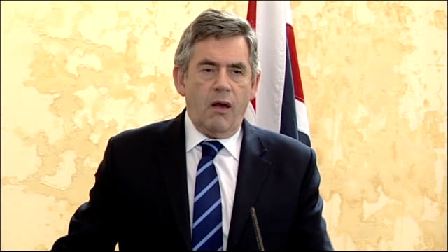 gordon brown visits british troops in afghanistan talked about two major things / talks of working with allies to bring security to the border areas... - 2001年~ アフガニスタン紛争点の映像素材/bロール