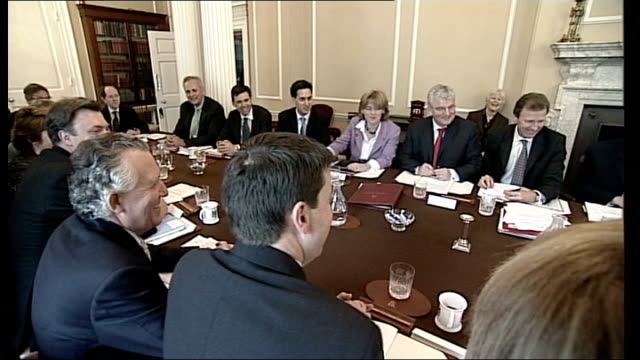 stockvideo's en b-roll-footage met gordon brown's cabinet reshuffle 10 downing street int gordon brown mp seated at his first cabinet meeting with newly appointed cabinet members... - prime minister