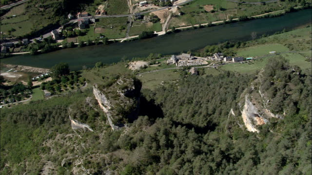 gorges du tarn and les vignes  - aerial view - languedoc-roussillon, lozère, arrondissement de florac, france - florac stock videos and b-roll footage