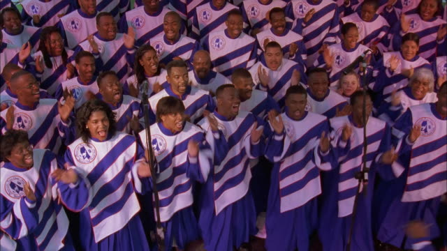 gospel choir clapping and singing in unison, jackson, mississippi available in hd. - 賛美歌点の映像素材/bロール