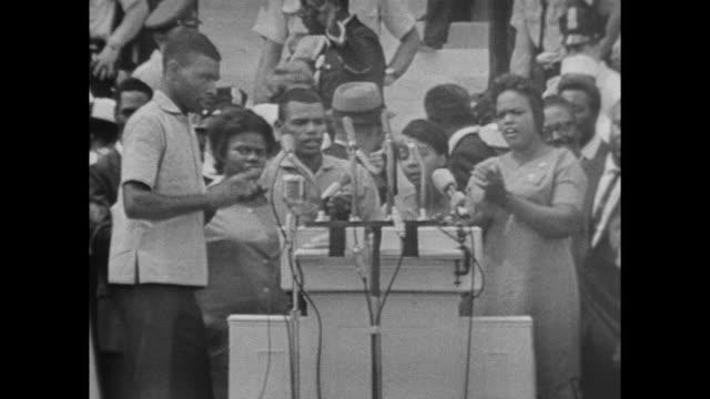 stockvideo's en b-roll-footage met gospel singers at the march on washington - gospelmuziek