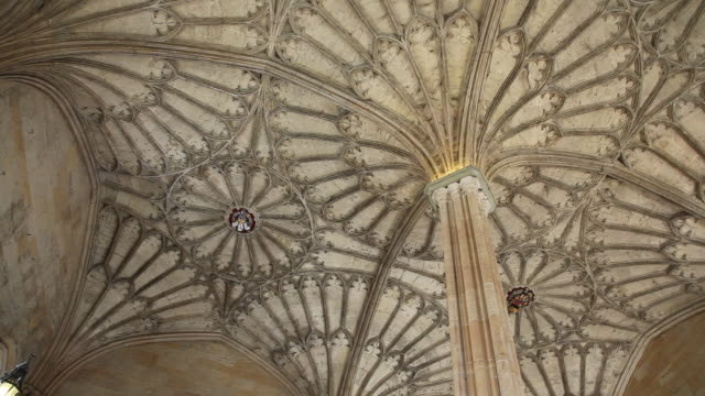 gothic fan valut above the hall stairs by william smith, christ church, oxford - oxford oxfordshire stock-videos und b-roll-filmmaterial