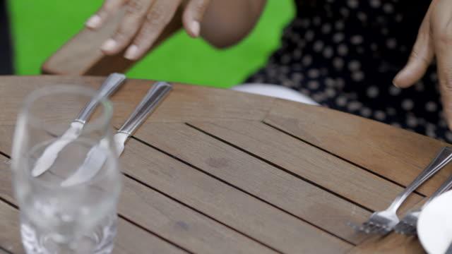stockvideo's en b-roll-footage met gourmet food is placed on table - tafelmanieren
