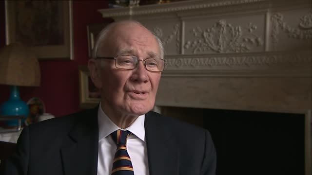 government accused of cronyism over new peerages location unknown int sir menzies campbell interview sot westminster reporter to camera - sir menzies campbell bildbanksvideor och videomaterial från bakom kulisserna