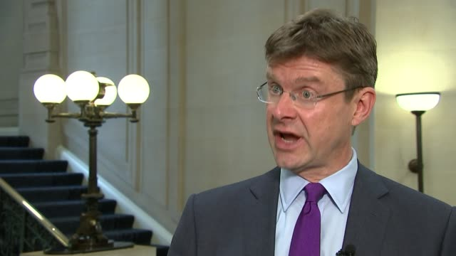 stockvideo's en b-roll-footage met government announces measures to crack down on illegal immigration london int greg clark mp interview sot we haven't got a figure for how many people... - mogelijk