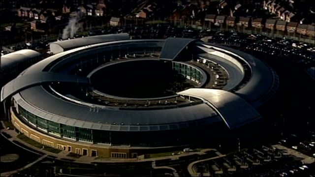 stockvideo's en b-roll-footage met government crackdown on online child pornography date cheltenham gchq doughnut building - kinderporno