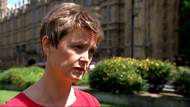 stockvideo's en b-roll-footage met government criticised over handling islamist extremism; england: london: ext yvette cooper mp interview sot - itv weekend evening news