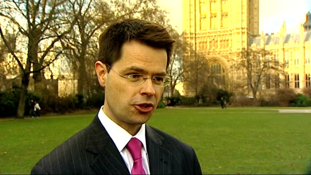 vídeos y material grabado en eventos de stock de government criticised over minimum price increases to alcohol; westminster: ext james brokenshire mp interview sot - it is first important step to... - eslabón