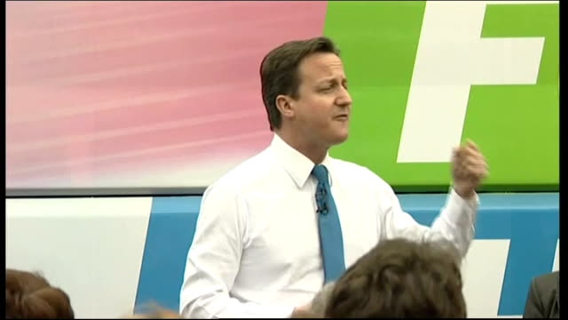 government cuts threat to sure start centres file april 2010 ext david cameron mp addressing supporters at general election campaign rally labour... - cut video transition stock videos & royalty-free footage