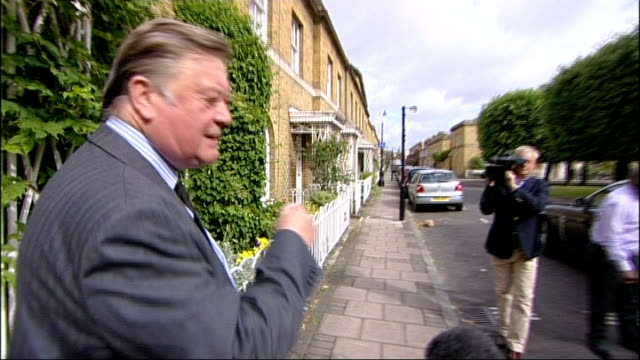 government drops plans to cut prison sentences england london ext kenneth clarke mp leaving his home as speaks to reporter sot i am feeling perfectly... - 政治家 ケネス・クラーク点の映像素材/bロール