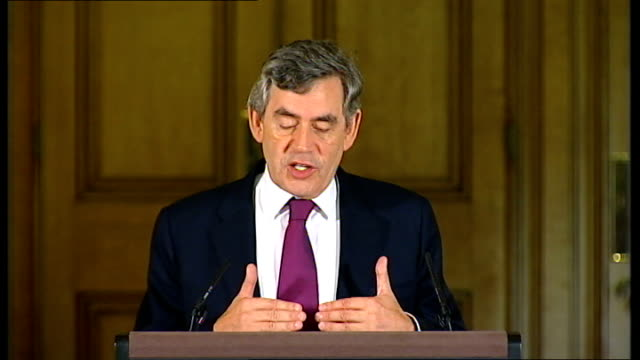 government energy package for poor households brown press conference england london downing street number 10 int gordon brown mp hilary benn mp and... - hilary benn stock-videos und b-roll-filmmaterial