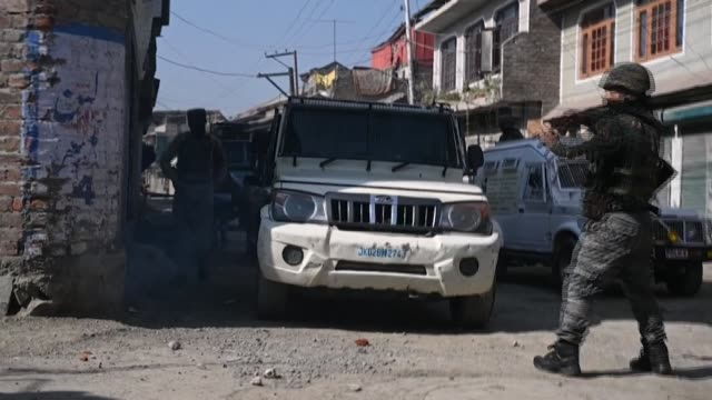 government forces fire tear gas shells and rubber bullets at angry residents during clashes in the main city of indian-administered kashmir after a... - rebellion stock videos & royalty-free footage