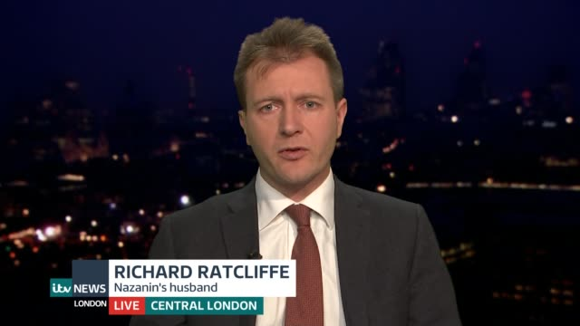 government ready to bring daughter of nazanin zaghariratcliffe back to uk england london gir screen*** richard ratcliffe live interview sot re return... - richard ratcliffe video stock e b–roll