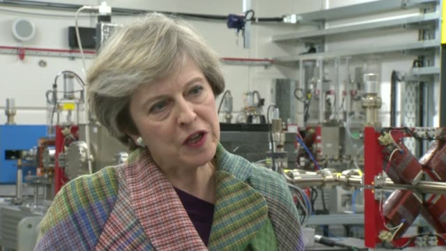 vidéos et rushes de government refuses to report operational details over trident missile malfunction england wirral int theresa may mp interview sot we don't comment on... - bombe atomique
