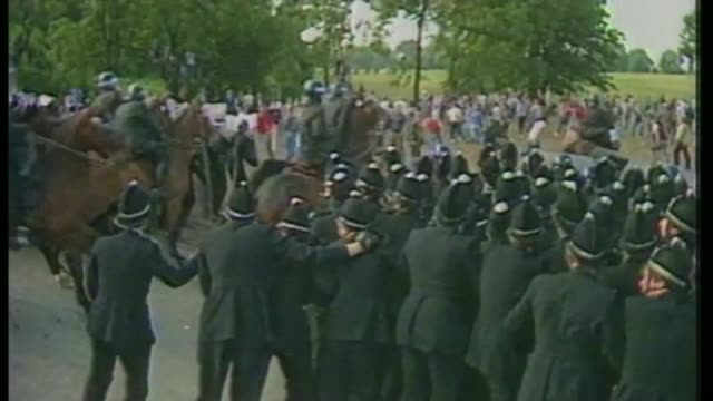 government rejects calls for 'battle of orgreave' inquiry as180684006 / tx orgreave ext police officers surging forwards mounted police along pan... - miner stock videos & royalty-free footage