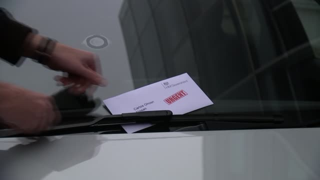 vidéos et rushes de government reveals some of the assurances given to nissan to ensure sunderland plant deal london envelope marked 'carlos ghosn nissan' being placed... - ghosn