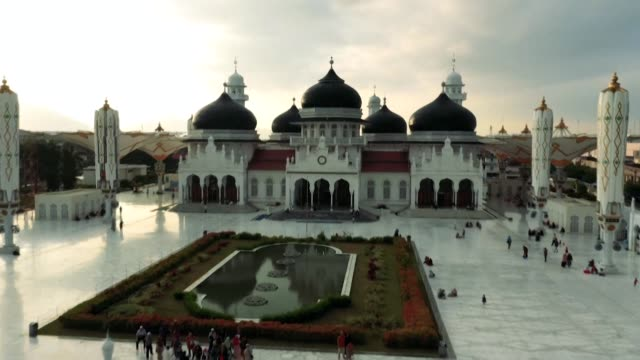 government team of some 1,000 mosque hunters have spent years visiting every corner of the 5,000 kilometre long archipelago of indonesia to answer... - kilometre stock videos & royalty-free footage