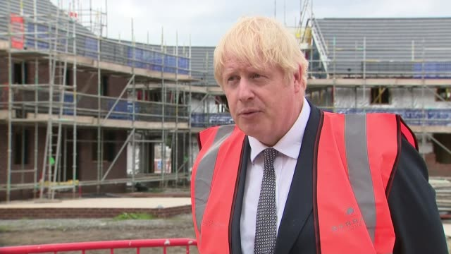 boris johnson building site visit england cheshire ext boris johnson mp interview sot q on the explosion in beirut lebanon in common with everyone i... - population explosion stock-videos und b-roll-filmmaterial